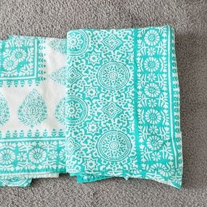 Other - Set of 2 Tablecloths size 60x60